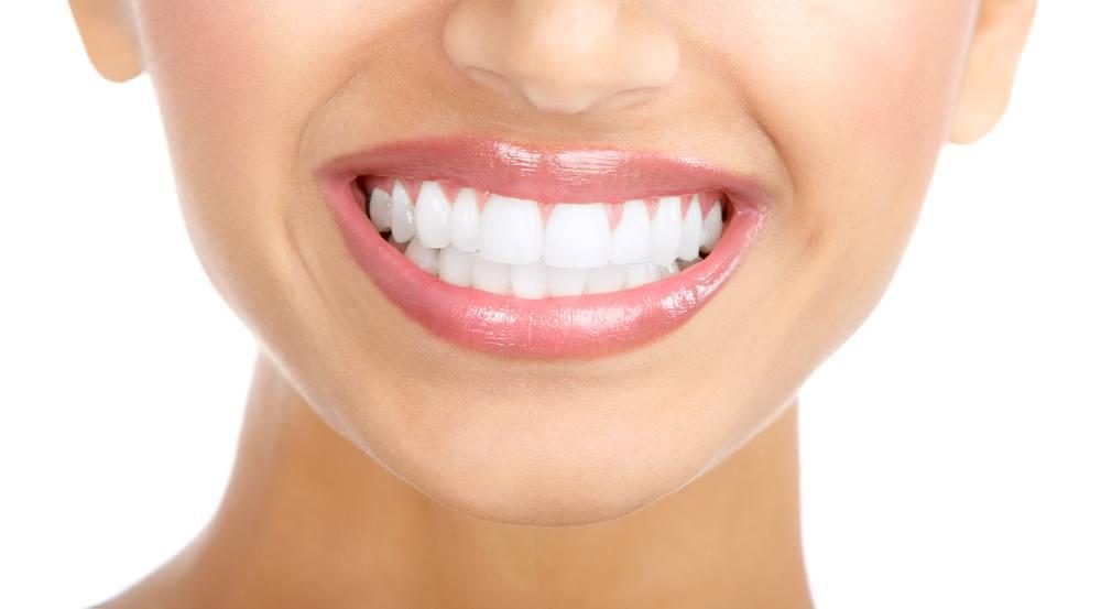 comment blanchir vos dents naturellement